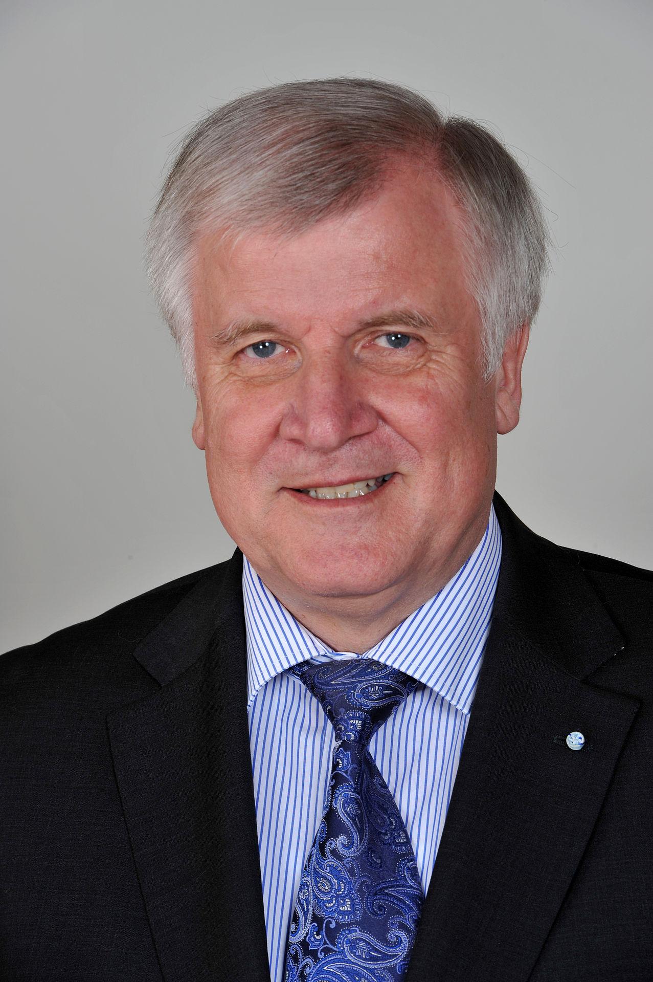 Horst Seehofer (2012)Ralf Roletschek • CC BY-SA 3.0 de