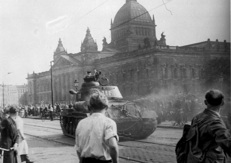 Sowjetischer Panzer in Leipzig am 17. Juni 1953• Unbekannt • CC BY-SA 3.0 de