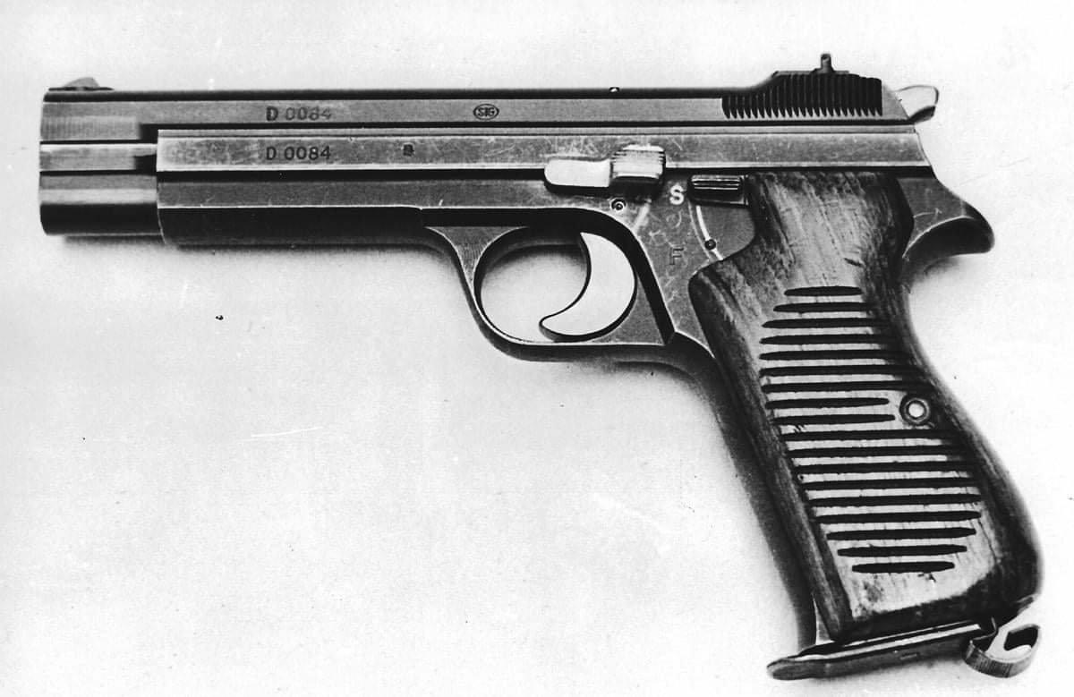 Pistole SIG 210-4